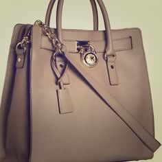ace6e51a4795 Michael Kors Handbags Outlet