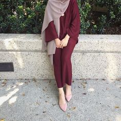 stars in the sky of the concept in the land, mind and heart 💓 Islamic Fashion, Muslim Fashion, Modest Fashion, Fashion Outfits, Hijab Casual, Hijab Chic, Hijab Outfit, Modest Wear, Modest Outfits