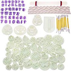 BIGTEDDY - Cake Bakeware Sugarcraft Icing Decoration Kit with Flower Modelling Mold Mould Fondant Tools - Health Central Products Directory Fondant Flower Cake, Fondant Rose, Fondant Baby, Fondant Cakes, Biscuit Decoration, Fondant Tools, Fondant Figures, Candy Making Supplies, Chocolate Fondant