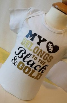Football Children's Bodysuit or T-Shirt LOVE My Team Colors. Saying is added to our super soft whitebodysuits or t-shirts using high quality heat press vinyl and our super amazing heat press!!! Great way to show team spirit. Can coordinate with team colors.