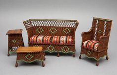 Good Sam Showcase of Miniatures: At the Show - Wicker Furniture