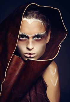 Tribal look: Depth and texture