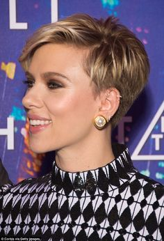 Actress Scarlett Johansson attends the Paris Premiere of the Paramount Pictures . Actress Scarlett Johansson attends the Paris Premiere of the Paramount Pictures release & In The Shell& at Le Grand Rex on March 2017 in Paris, France. Pixie Haircut Thin Hair, Thin Hair Haircuts, Short Pixie Haircuts, Pixie Hairstyles, Choppy Haircuts, Undercut Pixie, Pixie Haircut Styles, Modern Hairstyles, Fringe Hairstyles
