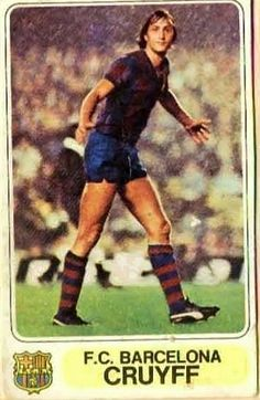 Johan Cruyff of Barcelona in Football Icon, Retro Football, World Football, School Football, Football Soccer, Football Trading Cards, Football Cards, Good Soccer Players, Football Players