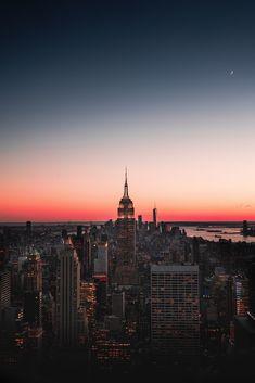 Night City Skyscraper Skyline Night New York Usa - Free Stock Photo, Image, Wallpaper Wallpaper Travel, City Iphone Wallpaper, New York Wallpaper, Sunset Wallpaper, Tumblr Wallpaper, Framed Wallpaper, Iphone Wallpapers, Wallpaper Awesome, Beautiful Wallpaper