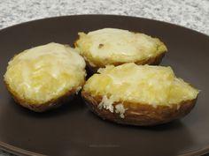 Cartofi copţi cu maioneză şi caşcaval Potato Dishes, My Recipes, Muffin, Potatoes, Baking, Breakfast, Ethnic Recipes, Food, Morning Coffee