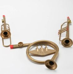 French-horn-shaped kazoo. I wonder if these sound the same as ordinary kazoos.