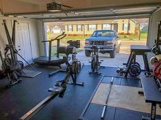 Top 75 Best Garage Gym Ideas - Home Fitness Center Designs : Signle Door Double Car Garage Gym Ideas Pump iron in the privacy of your own place with the top 75 best garage gym ideas. Explore cool home fitness center designs featuring equipment to decor. Crossfit Garage Gym, Home Gym Garage, Gym Room At Home, Car Garage, Small Garage, Fitness Design, Garage Organization Tips, Garage Ideas, Garage Storage