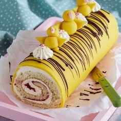 Prinsessrulltårta med marängsmörkräm Raw Food Recipes, Sweet Recipes, Ramadan Decoration, Grandma Cookies, Bakers Gonna Bake, Danish Food, Cookies And Cream, Easter Recipes, Sweet Treats