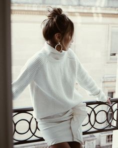 Hoops & cozy sweater kind of day! ✨   Reims Turtleneck: shopsincerelyjules.com
