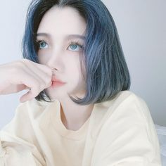 Short Blue Hair, Girl Short Hair, Blue Eyes Aesthetic, Aesthetic Girl, Uzzlang Girl, Cute Korean Girl, Cute Girl Photo, Cool Hair Color, Grunge Girl