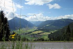 Cooler Sommertag, cooler Ausblick auf Flachau und Bergwelt....#visitflachau #lovenature #summer Summer, Mountains, Nature, Travel, Friends, Landscape, Summer Time, Naturaleza, Viajes