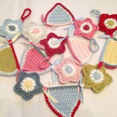 . ☀CQ #crochet #crafts #DIY. Thanks so much for sharing! ¯\_(ツ)_/¯ Crochet star bunting tutorial - Ruby & Custard