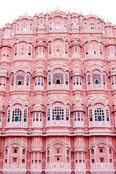 Pretty pink building apartments #pink #pretty #retro #apartments