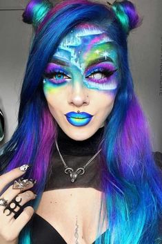Aurora Borealis Look With Space Buns Half Up ❤ Halloween hairstyles for long hair seems to be never-ending. Yet, we managed to find out something that has never been seen before. Fete Halloween, Halloween Looks, Scary Halloween, Halloween Makeup, Best Wedding Hairstyles, Holiday Hairstyles, Halloween Hairstyles, Hairstyles Haircuts, Reverse Ombre Hair