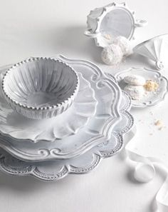 Artizano | Italian Hand Painted Volcanic Stone Tables-- The Scallop | ceramica | Pinterest : italy dinnerware - pezcame.com