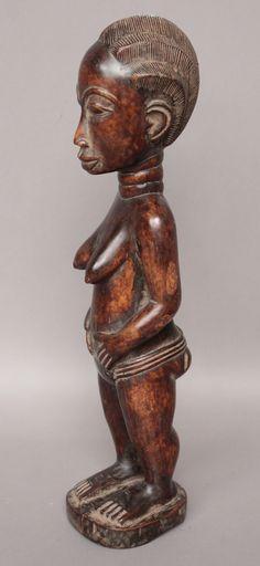 Belle statuette féminine, bois dur, patine brillante. Baoulé. RCI. HT 42 cm…