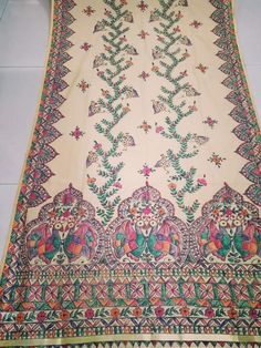Madhubani Art, Madhubani Painting, Saree Painting, Fabric Painting, Hand Painted Sarees, Painted Clothes, Indian Designer Outfits, Men Clothes, Handloom Saree