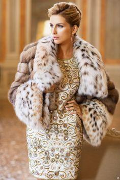 Женское пальто из меха рыси. Женское пальто из канадской рыси, комбинированной с мехом баргузинского соболя.