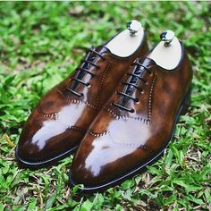 Bontoni Vittorio Wingtip Reverse Hand-Sewn Apron Oxford By . Best Shoes For Men, Running Shoes For Men, Gents Shoes, Derby, Wingtip Shoes, Oxfords, Kicks Shoes, Expensive Shoes, Well Dressed Men