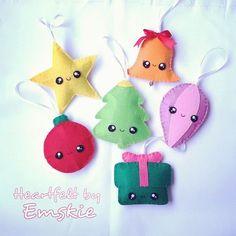 Kawaii Felt Christmas Ornaments Kawaii Felt, Felt Christmas Ornaments, Christmas Stuff, Felt Art, Halloween, Plushies, Arts And Crafts, Holiday Decor, Group