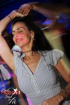Já estão no ar as fotos da noite Zouk de domingo, 02/08/2.015 no Memphis Bar.  Se quiser ir direto, acesse: http://www.zoukpassion.com/zoukforfa/Fotos/zouk-for-fa-memphis-02-08-2015/index.html  Noites de domingo no Memphis bombando com o melhor Zouk de São Paulo, com muitas comemorações de aniversário e muita gente bonita.  Acesse os vídeos da Roda dos Aniversariantes em: http://www.zoukpassion.com/zoukforfa/videos.htm  Acompanhe a nossa agenda do Zouk em…