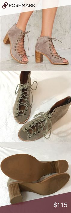 {Jeffrey•Campbell} Coors Bootie Taupe Lace Up Excellent condition! Barely worn. Beautiful suede, chunky supportive heel, and beautiful neutral color to match all your fall outfits. No trades, modeling or lowballs please! Jeffrey Campbell Shoes Ankle Boots & Booties