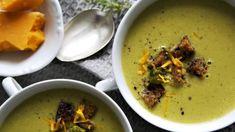 Ach ty polévky! Jakmile vidíme krémovou, už se k ní hrneme. Mají zkrátka něco do sebe – stejně jako oblíbené vývary. Thai Red Curry, Fresh, Ethnic Recipes, Food, Diet, Essen, Meals, Yemek, Eten