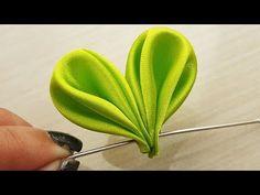 Diy Lace Ribbon Flowers, Ribbon Flower Tutorial, Ribbon Embroidery Tutorial, Cloth Flowers, Fabric Roses, Ribbon Art, Satin Flowers, Diy Ribbon, Silk Ribbon Embroidery