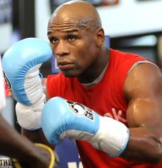 Man that Nigga nice! Floyd Mayweather - 'Money May' Athletic Trainer, Sport Inspiration, Floyd Mayweather, Go Red, Fight Night, Nike Soccer, Muhammad Ali, Big Men, Sport Man
