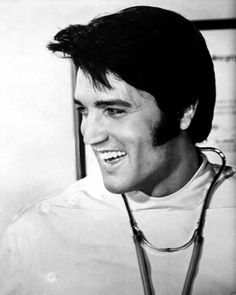 ELVIS PRESLEY in the Movies 1969 Photo CHANGE of HABIT on the set CLOSE-UP 16