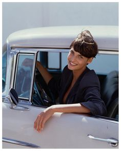Linda Evangelista, 90's not really 'vintage' but it was taken about 20 years ago or more!
