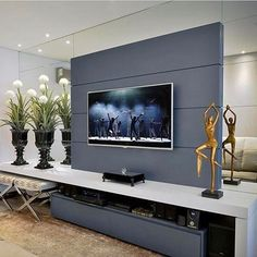 Home theaters are getting to be extremely popular among American homes. Basic knowledge of home theater system and its basic components may be best for peop Living Room Tv, Home And Living, Interior Design Living Room, Living Room Designs, Modern Tv Wall Units, Home Decor Furniture, Family Room, Tv Rooms, Instagram