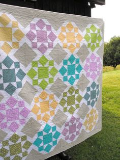 On a Whim quilt | Flickr - Photo Sharing! Make a four block for a baby quilt :)