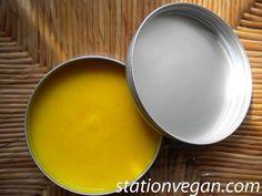 Homemade natural hair conditioner. Acondicionador natural casero con naranja, aceite de coco y gel de semillas de lino. Balsamo naturale fatto in casa con arancia, olio di cocco e gel di semi di lino.