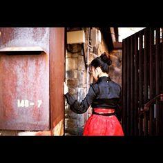 파티룩으로 재탄생한 ❤️레드베일❤️ 풀샷은 커밍순 ㅎㅎ #partydress #partylook #red #veil #handmade #handmadeskirt #winter #style #skirt #sewing #sewingproject #hanbok #korea #seoul #sounlim #소운림 #핸드메이드 #파티룩 #허리치마 #생활한복 #한복스타그램