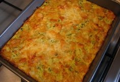 Sajtos cukkini pite lisztmentesen | NOSALTY Diabetic Recipes, Diet Recipes, Vegetarian Recipes, Healthy Recipes, Lasagna, Macaroni And Cheese, Good Food, Paleo, Food And Drink
