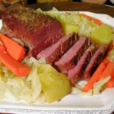 Crock Pot Corned Beef and Cabbage by cookingtipoftheday