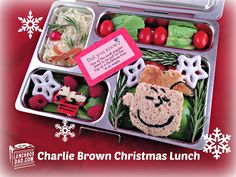 Peanuts themed holiday bento ~ A Charlie Brown Christmas | via Lunchbox Dad