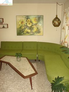 Mid Century Sectional Sofa wow so reminds me of our living room mid early Mid Century Modern Decor, Mid Century Modern Furniture, Mid Century Design, Midcentury Modern, Sala Vintage, Love Vintage, Vintage Stuff, Mid Century Sectional, Sectional Sofas