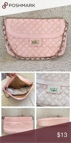 Pink Purse✨ Super cute. Faux leather material. Price is negotiable. Bags Shoulder Bags