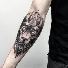 Fresh Blackwork Wrist Tattoo From Otheser! #dotwork #blackwork #lion #wrist #arm #geometry #geometrical #dotism