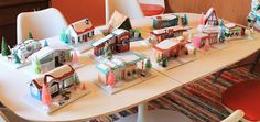 Diy Christmas Village, Christmas Decorations For The Home, Christmas Projects, Christmas Houses, Modern Christmas, Retro Christmas, Christmas Crafts, Christmas 2019, Christmas Door Decorating Contest