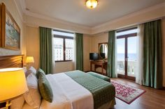 Featuring views of the Aristotelous Square and the Thermaikos Gulf, these are some of the few rooms in Thessaloniki that will allow you to enjoy uninterrupted vistas to the vibrant square and beyond.