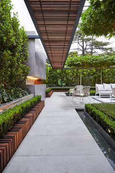 Backyard Pergola BBQ - - Pergola With Roof Outdoor Rooms - Pergola Patio Interior - Large Pergola Plans Contemporary Garden Design, Contemporary Landscape, Contemporary Style, Modern Landscape Design, Garden Modern, Modern Gardens, Small Gardens, Modern Design, Pergola Patio