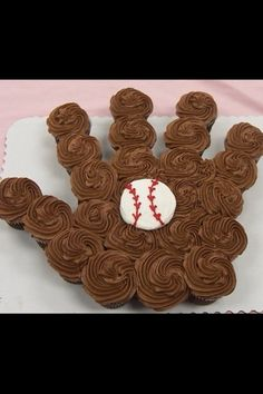 baseball cupcakes...awesome for end of season party..grandson just had one. Wish I had this