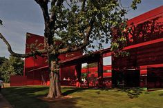 Image 6 of 15 from gallery of Spotlight: Jean Nouvel. Photograph by Ateliers Jean Nouvel. Photograph by Philippe Ruault Jean Nouvel, Daniel Libeskind, Oscar Niemeyer, Frank Gehry, Zaha Hadid, Serpentine Gallery Pavilion, Open Air Theater, Red Sun, Dezeen
