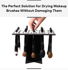 Does the hassle of washing and drying your makeup brushes get in the way of you actually doing it? Kiss those days goodbye, because Benjabelle Brush Trees make the whole process infinitely easier. Kiss Makeup, Love Makeup, Makeup Looks, Hair Makeup, Diy Beauty, Beauty Makeup, Fashion Beauty, Beauty Hacks, Beauty Tips