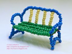 Free detailed tutorial with step by step photos on how to make a sofa out of seed beads and wire. Great for beginners! Beading Projects, Beading Tutorials, Beading Patterns, Beaded Crafts, Beaded Ornaments, Beading Techniques, Fabric Beads, Native American Beading, Beaded Animals