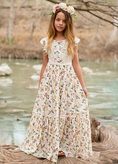 Viola Dress in Floral - Jeune Fille Girls Maxi Dresses, Toddler Girl Dresses, Little Girl Dresses, Flower Girl Dresses, Toddler Girls, Girls Summer Outfits, Kids Outfits, Cute Outfits, Summer Clothes